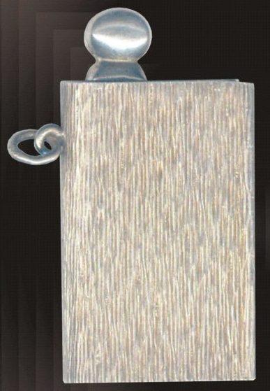 Зажигалка фирмы Pirona, выпускалась в 1930-х годах.
