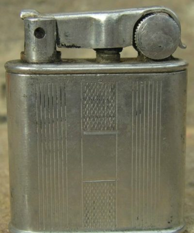 Зажигалки фирмы Nova, выпускались в 1930-1940-х годах.