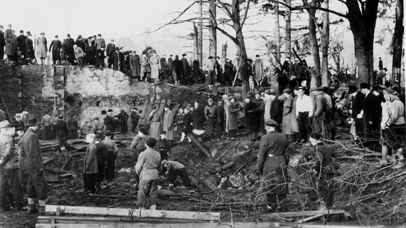 Последствия советской бомбардировки Седертелье. 22 февраля 1944 г.