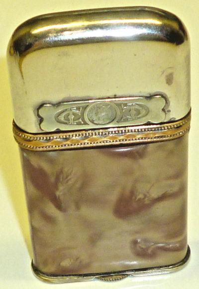 Зажигалки фирмы Dandy-Feurex, выпускались в 1930-1940-х годах.