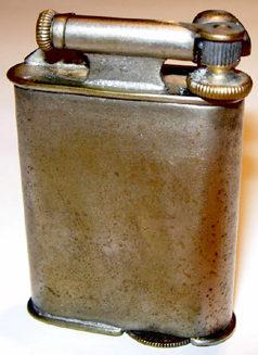 Зажигалки фирмы Napier, выпускались в 1930-х годах.