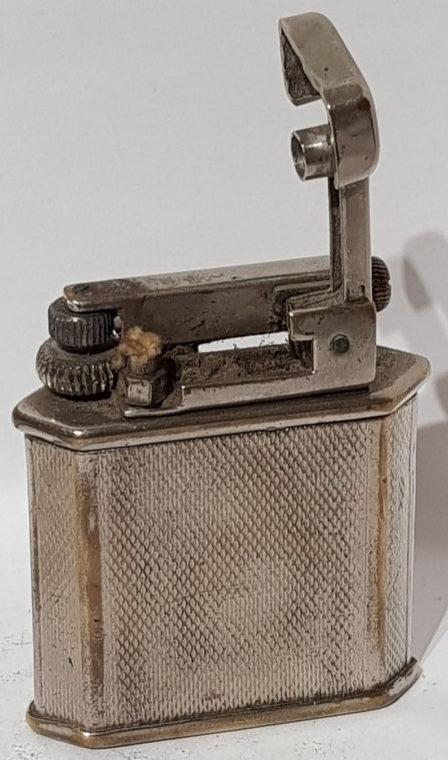 Зажигалки «Carliton» фирмы Orlik, выпускались в 1930-х годах.