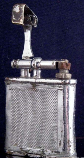 Зажигалка «Standard» фирмы Orlik, выпускалась в 1930-1940-х годах.