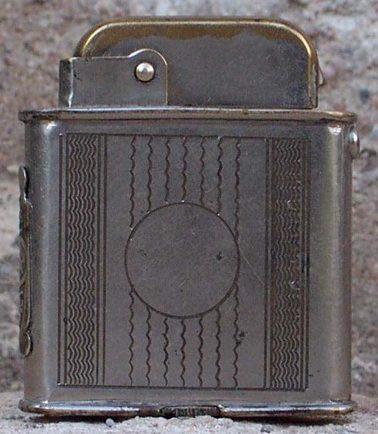 Зажигалки «Tank» фирмы Orlik, выпускались в 1930-1940-х годах