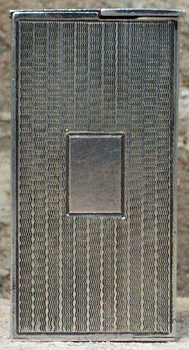 Зажигалки фирмы Stellor Vega, выпускались в 1930-е годы.