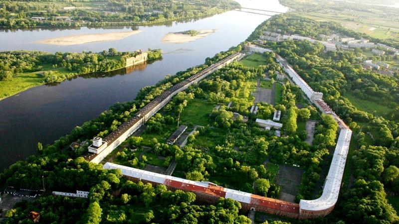 Виды крепости Модлин с высоты.