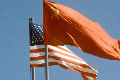На установление дипломатических отношений США и СССР потратили 15 лет.