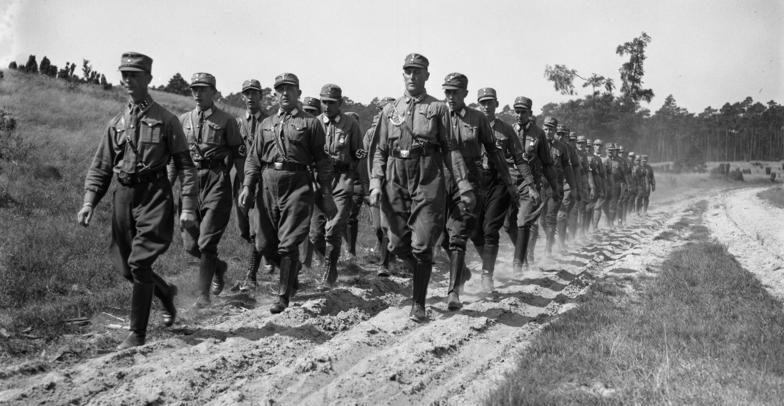 Учебный марш курсантов Имперской школы подготовки руководящего состава СА. Бранденбург, 1932 г.