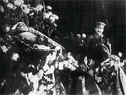 Сталин у гроба Кирова. Декабрь 1934 г.