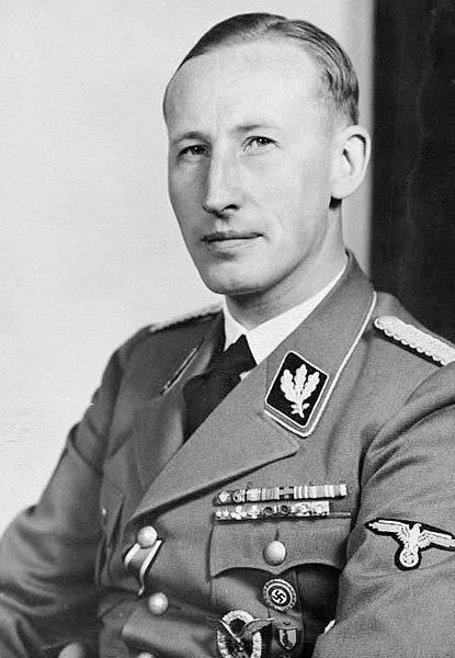 Рейнхард Гейдрих шеф службы безопасности (СД).