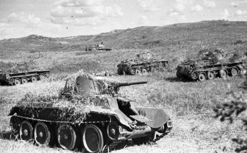 Атака советских танков.