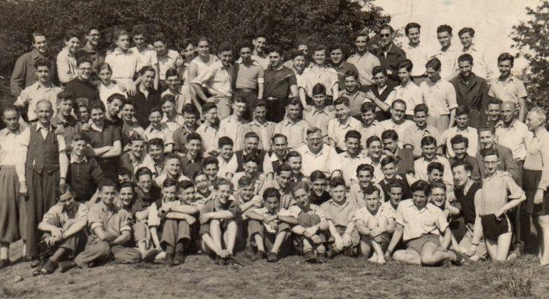 Коллективное фото в учебном еврейском лагере под Берлином. 1939 г.