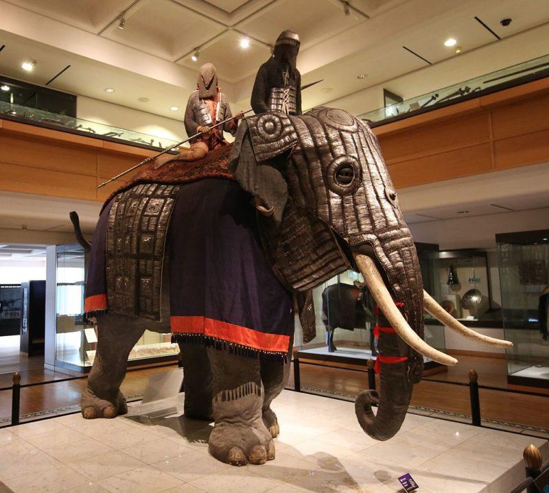 Доспехи слонов Моголов, датированных около 1600 года.