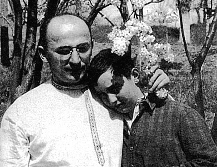 Лаврентий Берия с сыном Серго. 1930-е годы.