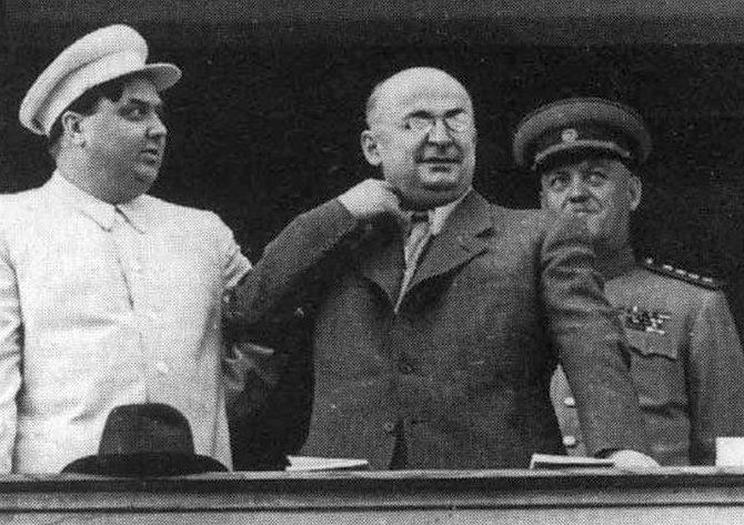 Берия и Маленков. 1933 г.