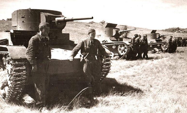 Советские танкисты.