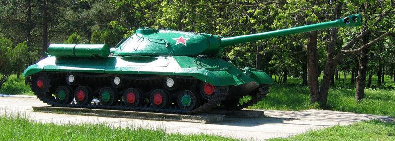 Памятник-танк ИС-3м.
