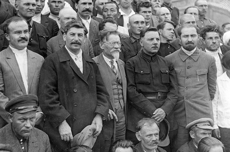 Молотов, Сталин, Калинин, Ворошилов на 16-м съезде ВКП(б). Июль 1930 г.