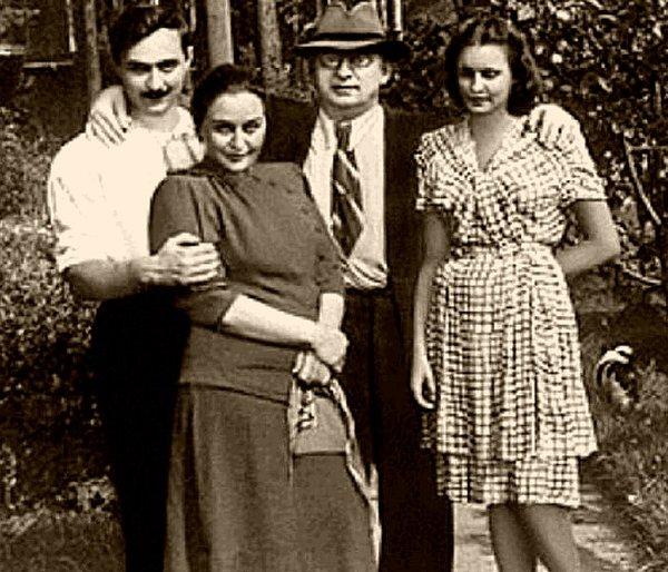 Семья Берии: сын Серго, жена Нино и невестка Марфа, внучка Максима Горького. 1951 г.