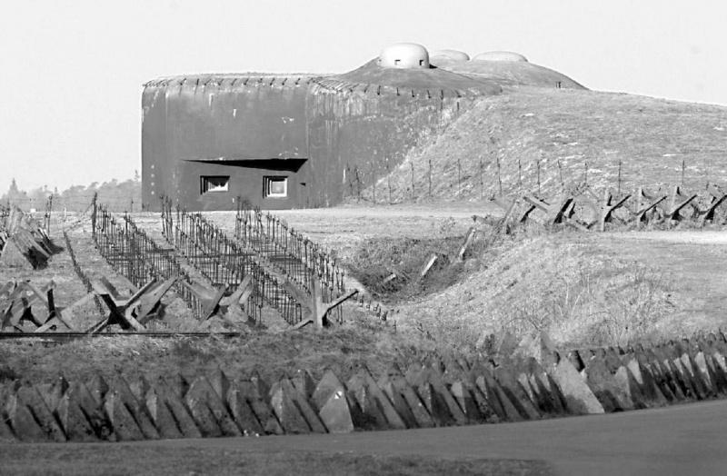 Бункер чехословакской линии укреплений в Судетах (Линия Бенеша). 1938 г.