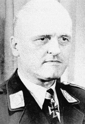 Выпускник Липецкой школы - генерал-полковник Гюнтер Кортен.