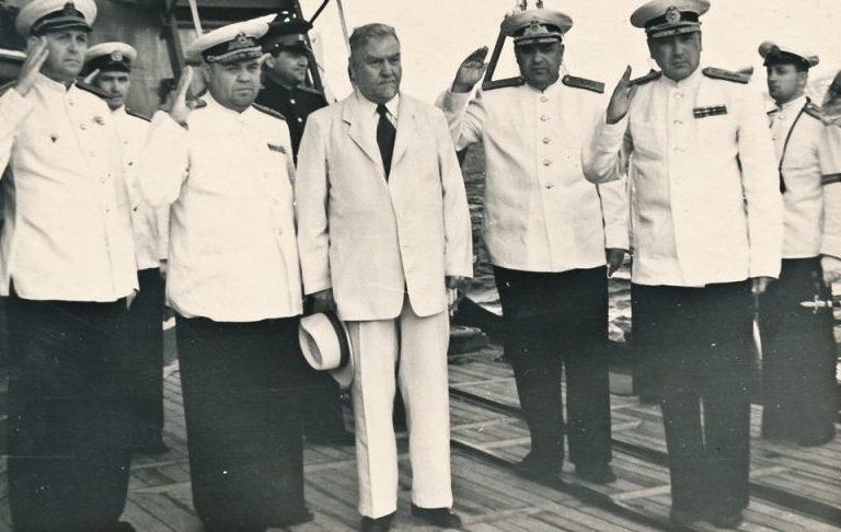 Булганин на крейсере «Дзержинский» на Северном флоте. 1955 г.