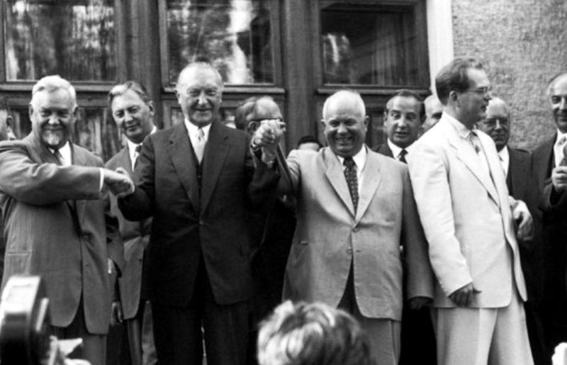 Конрад Аденауэр и Николай Булганин. Москва, сентябрь 1955 г.