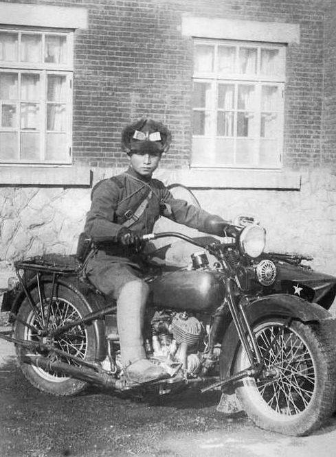 Японский офицер на мотоцикле Тип 93. 1939 г.