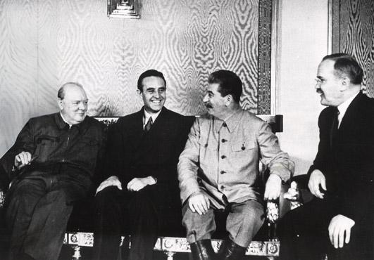 Черчилль, Гарриман, Сталин, Молотов. Москва, август 1942 г.