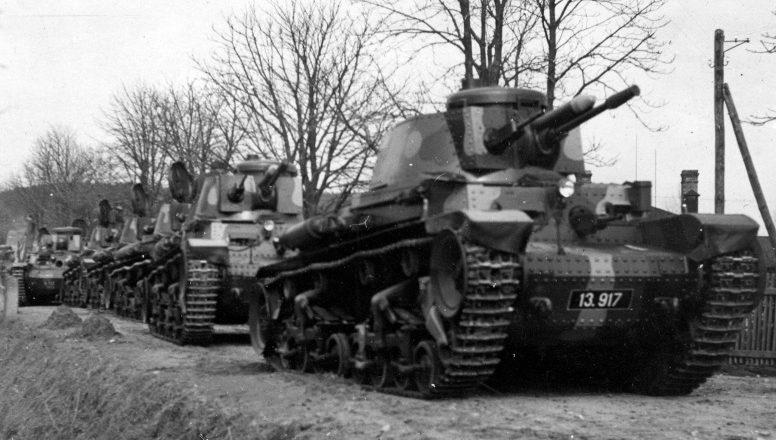 Колонна чехословацких танков перед отправкой в Германию. 26 марта 1939 г.