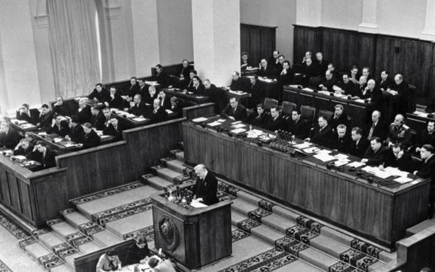 Николай Булганин выступает на XX съезде КПСС. 1956 г.