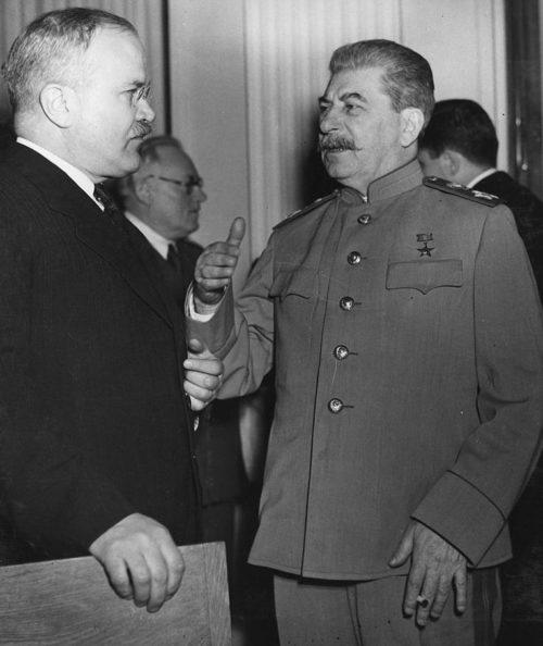 Вячеслав Молотов и Иосиф Сталин в Ялте. Февраль 1945 г.