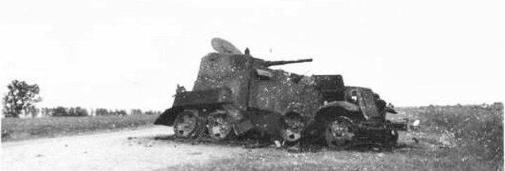 Разбитый советский бронеавтомобиль БА-10М. 1939 г.