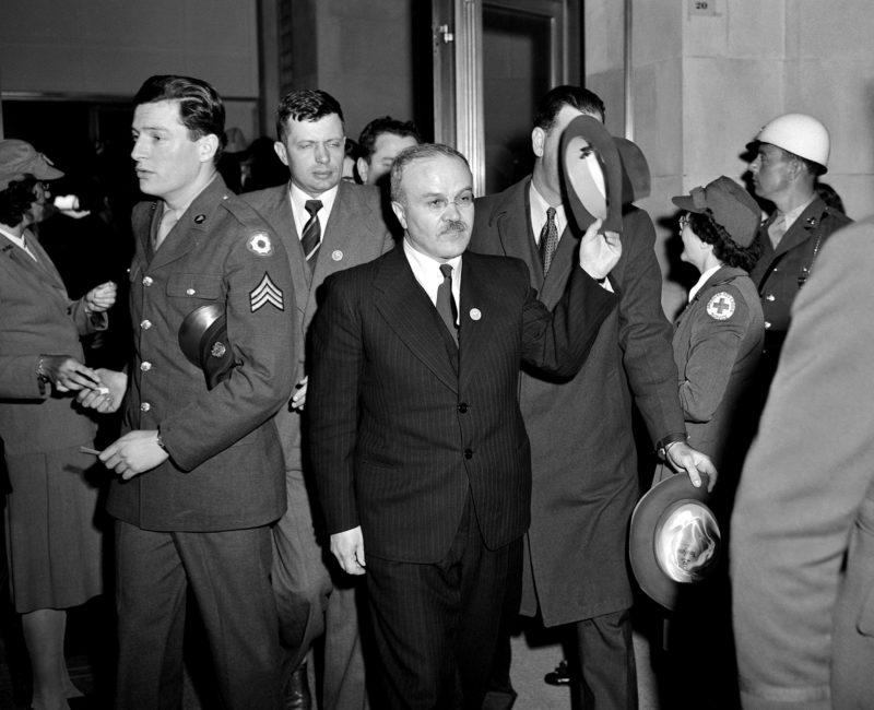 Молотов в Доме Ветеранов на встрече Руководящего комитета. Конференция ООН в Сан-Франциско. Апрель 1945 г.
