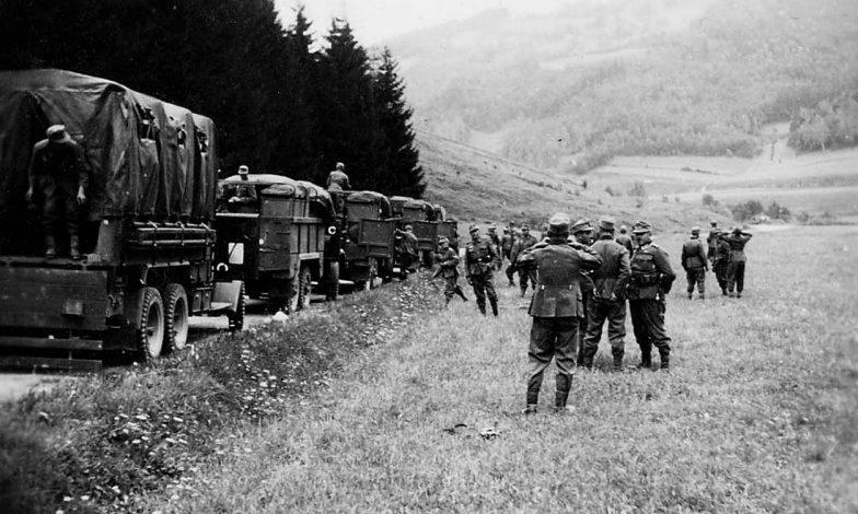 Немецкие войска на марше в Чехословакии. 1939 г.