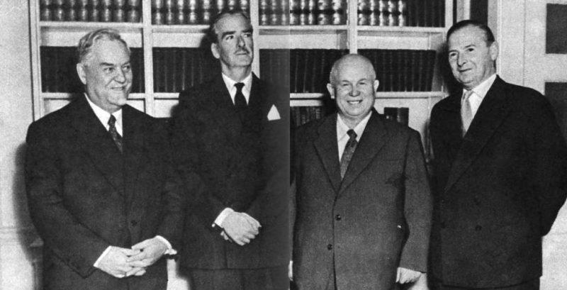 Н. А. Булганин, А. Иден, Н. С. Хрущев и министр иностранных дел Англии Селвин Ллойд. Лондон, апрель 1956 г.