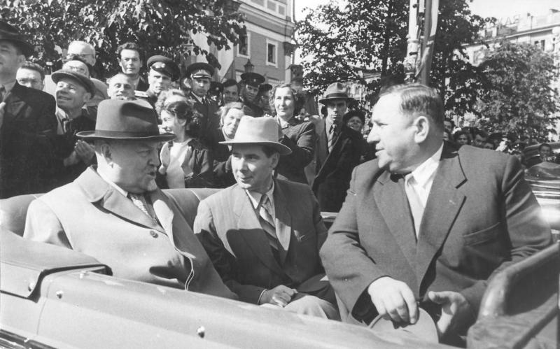 А.Булганин, Н.Н. Родионов, Н.И. Смирнов. Ленинград, 1957 г.