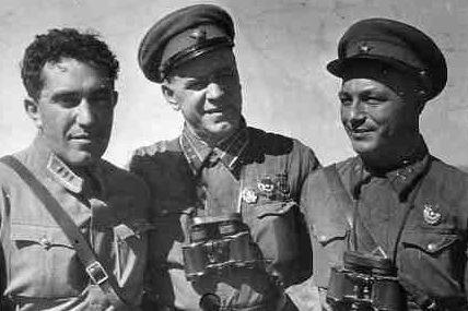 Зам. командующего ВВС РККА комкор Я.В. Смушкевич, комкор Г.К.Жуков и дивизионный комиссар М.С. Никишев. 1939 г.