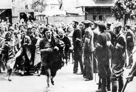 Националисты конвоируют евреев в IX форт. Июнь 1941 г.