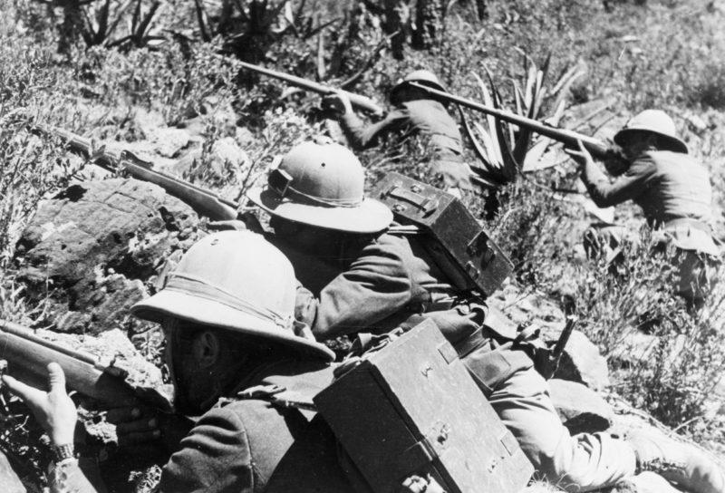Итальянские солдаты в Эфиопии. 1935 г.