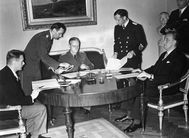 Подписание германо-эстонского и германо-латвийского договоров о ненападении. 7 июня 1939 г.