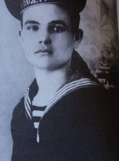 Гордей Левченко в школе юнгов. 1914 г.