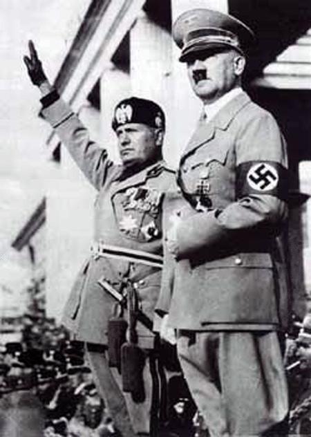 Лидеры мирового фашизма – Муссолини и Гитлер.