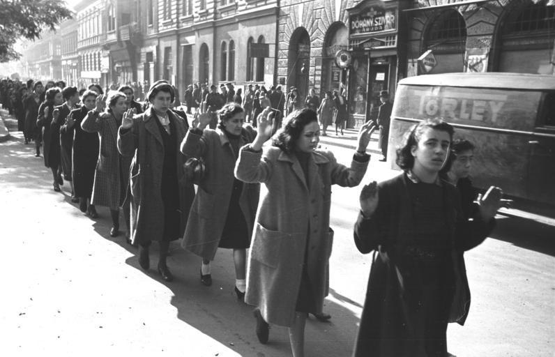 Аресты евреев в Будапеште. 1944 г.