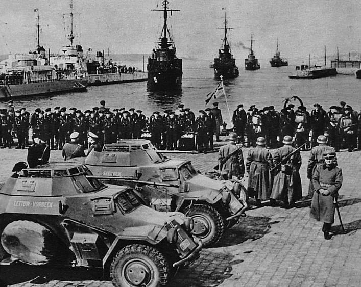 Немецкие войска в порту Мемеля. Март 1939 года.