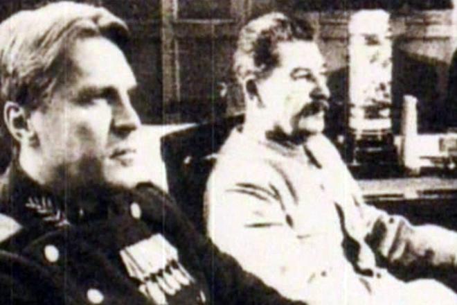 Виктор Абакумов и Иосиф Сталин. 1945 г.
