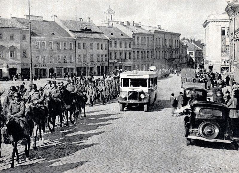 Красная Армия занимает Вильнюс. 15 июня 1940 г.