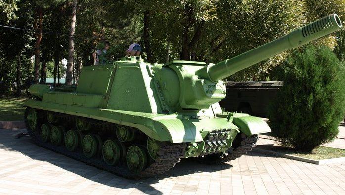 Самоходная артиллерийская установка ИСУ-152К.