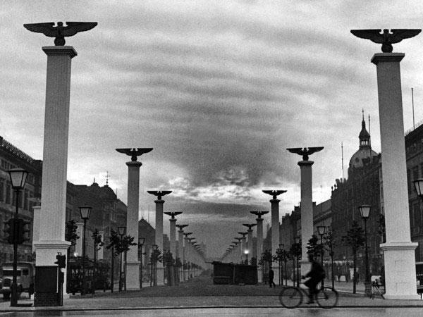 Улица Unter den Linden. Берлин. 1939 г.