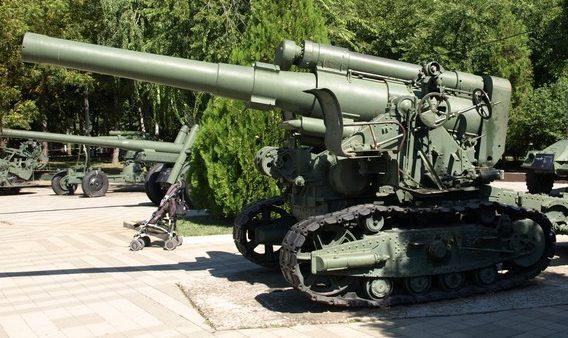 203-мм гаубица Б-4.